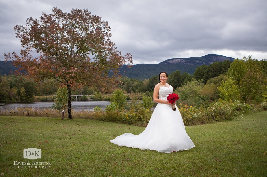 bridal portrait at Table Rock Visitor Center