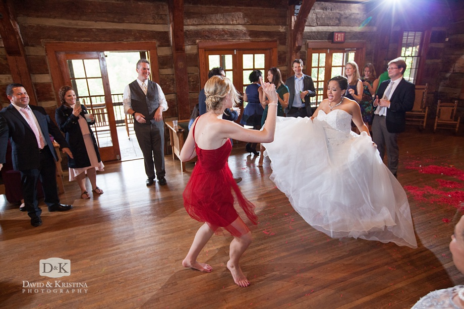 dancing at Table Rock Lodge wedding reception