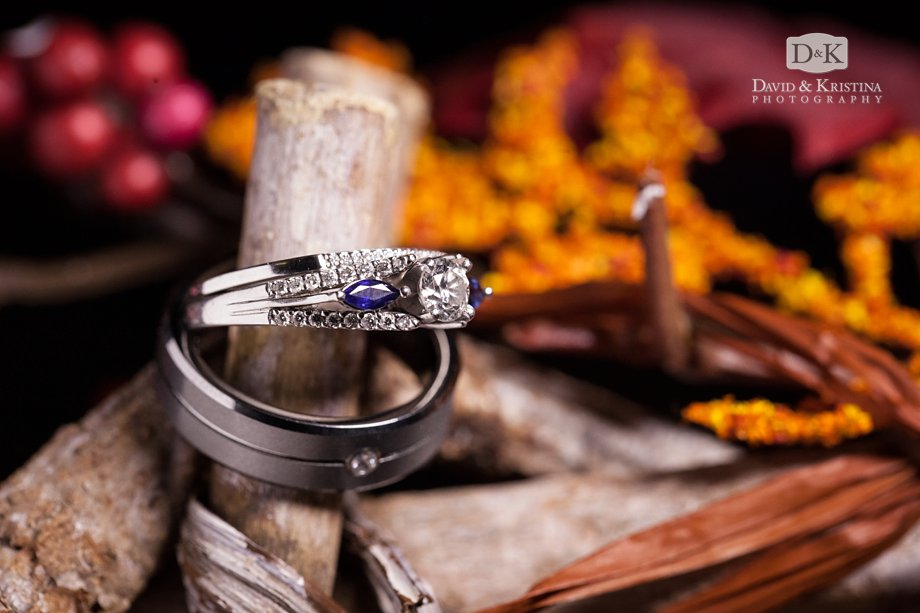 wedding rings with autumn decorations