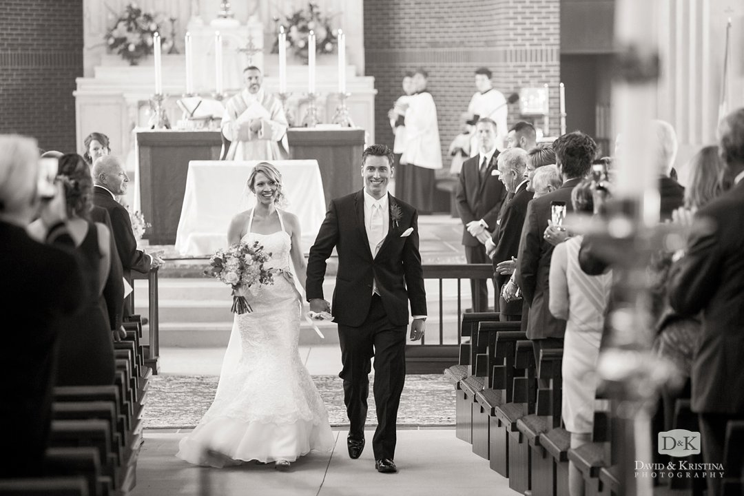 bride and groom wedding photos at Prince of Peace Catholic in Taylors SC